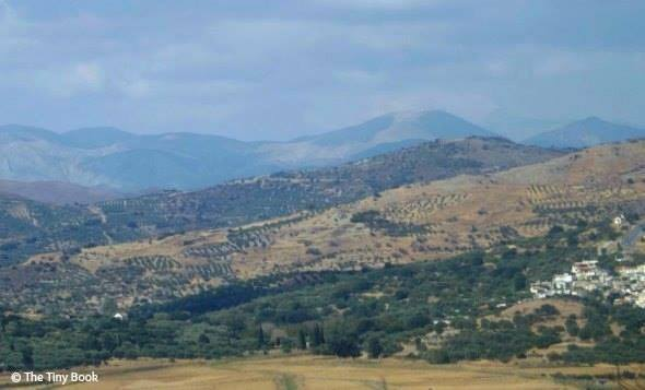 Mountain landscape driving from Ierapetra to Matala. Things to do in Crete