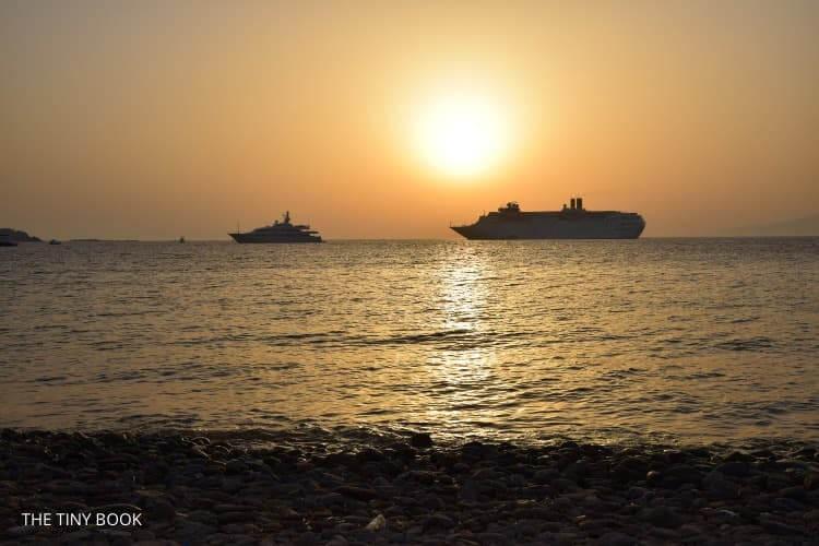 Sunset port Mykonos