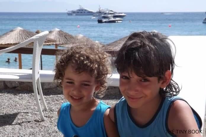 KIDS in Cavo Psarou, Mykonos