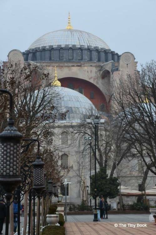 Heading to Hagia Sophia, from the Blue Mosque. What to do in Istanbul in three days.