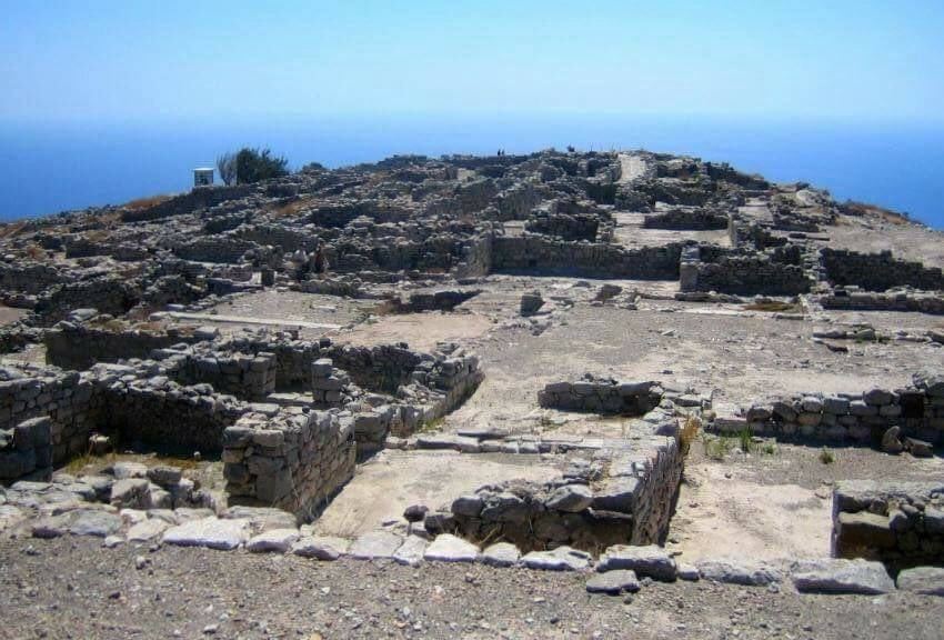 Alternative Santorini for children - The foundations of the settlement at Ancient Thera are clearly visible.
