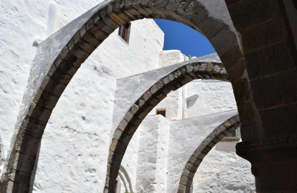 GREECE - PATMOS - MONASTERY OF SAINT JOHN - COURTYARD - ARCHES