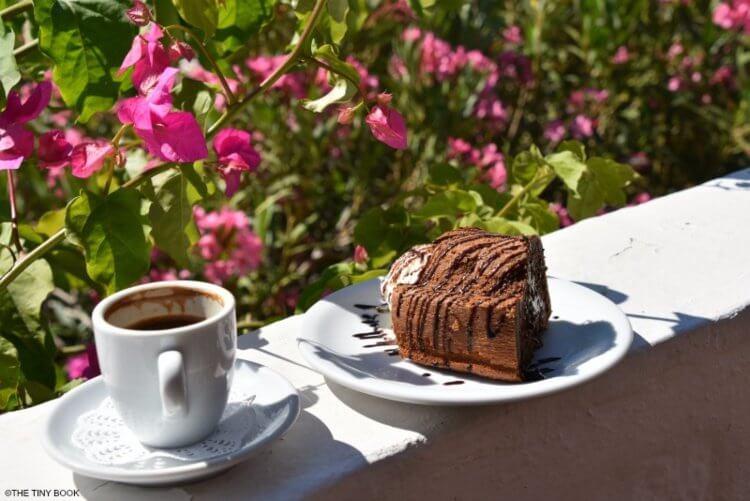 Chocolate cake, Vagia beach.