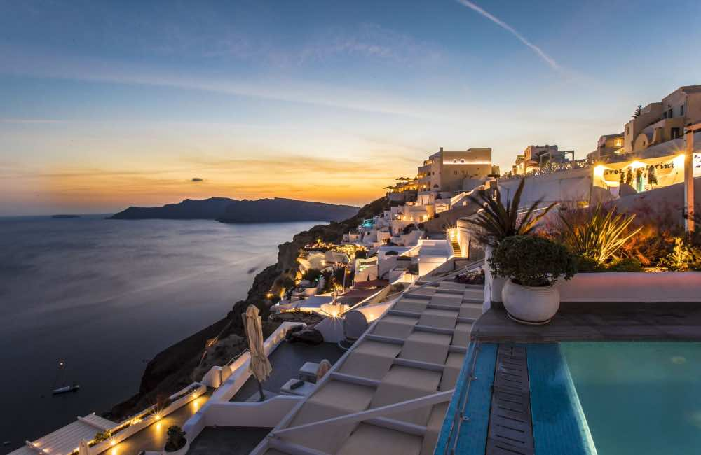 GREECE - SANTORINI - HOTEL - POOL - SUNSET