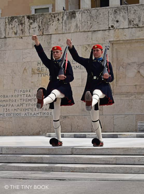 Genius Itinerary for 3 days in Athens: Change of the Guard in Syntagma square