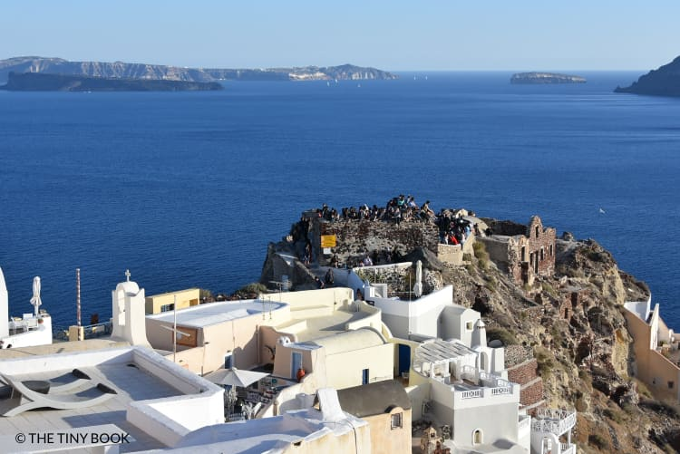 Photo shooting from the Castle of Oia.
