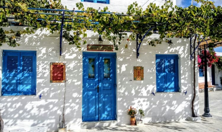 Lefkes village, visiting the village is one of the things to do in Paros Greece