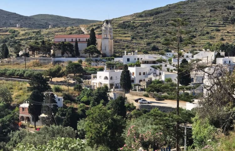 The village and the church of Lefkes