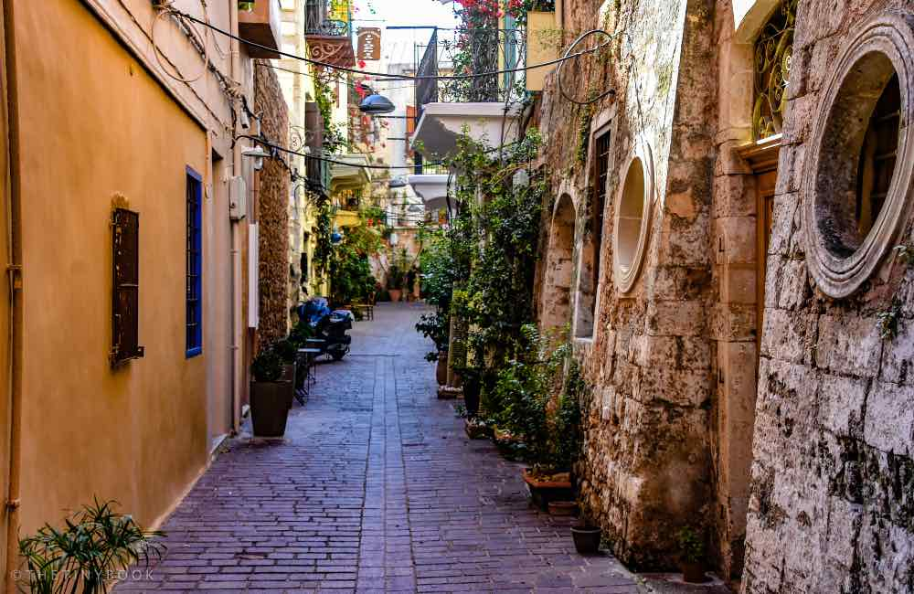 Alley in Chania, stone buildings, Venetian architecture