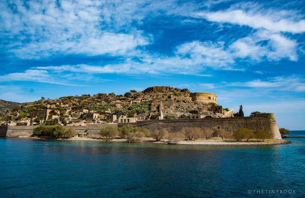 Fortified island, Crete