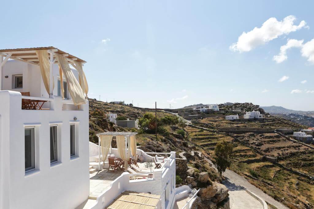 La Maison Blanche, Agios Stefanos Hill