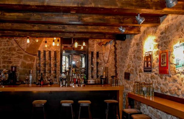 Best Bars and Pubs in Heraklion Crete - Opus wine bar