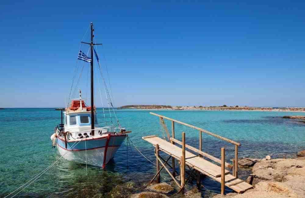 Boat Trip Crete - Wooden Mole in Elafonisi.